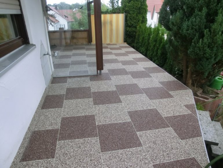 DRAINfloor Terrasse mit Latte Macchiato und Espresso