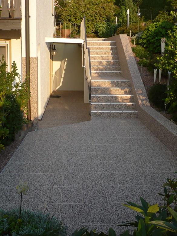 DRAINfloor Treppenanlage mit Marmor Latte Macchiato