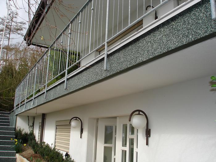 Steinteppich Fertigelemente auf Balkon