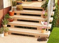 Außentreppe mit Steinteppichen von RENOflooor saniert