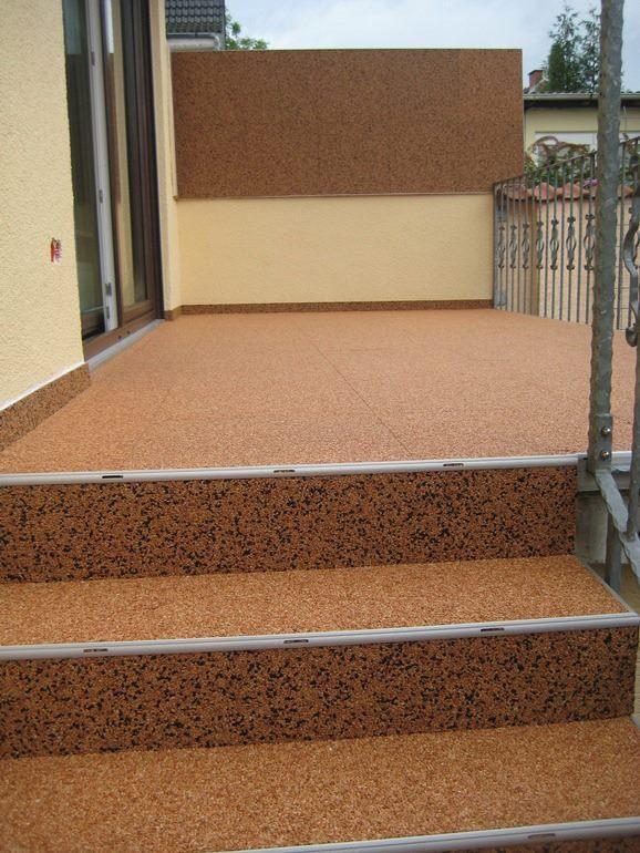 RENOfloor Terrassensanierung im Modul System inklusive Treppenabgang saniert