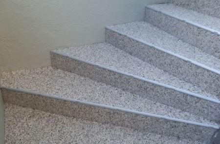Steinteppich Treppe nach Fertigstellung