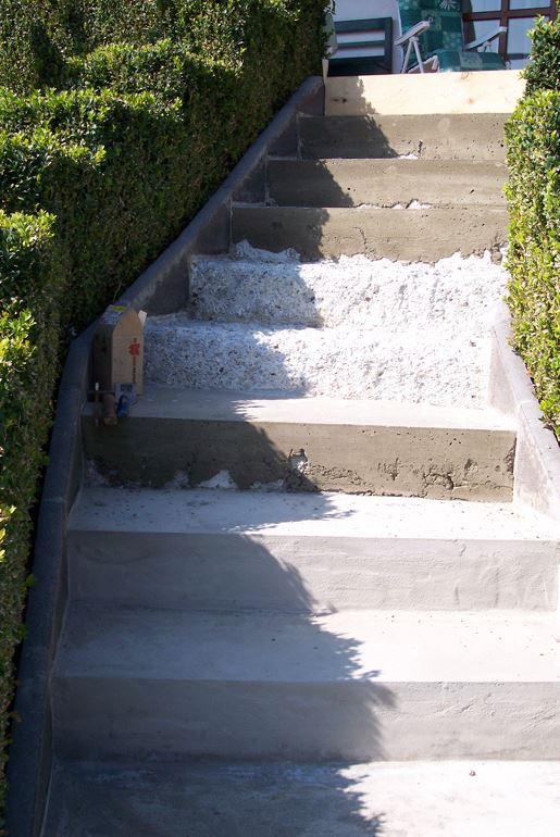 zu sanierende Außentreppe