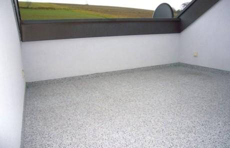 Dachterrasse nach Sanierung mit Steinteppich