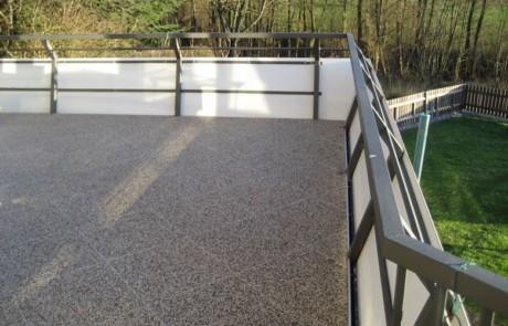Balkon mit Steinteppich Klick System saniert