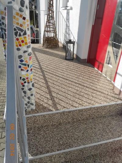 Aus Alt mach Neu - Treppensanierung mit Steinteppich nacher