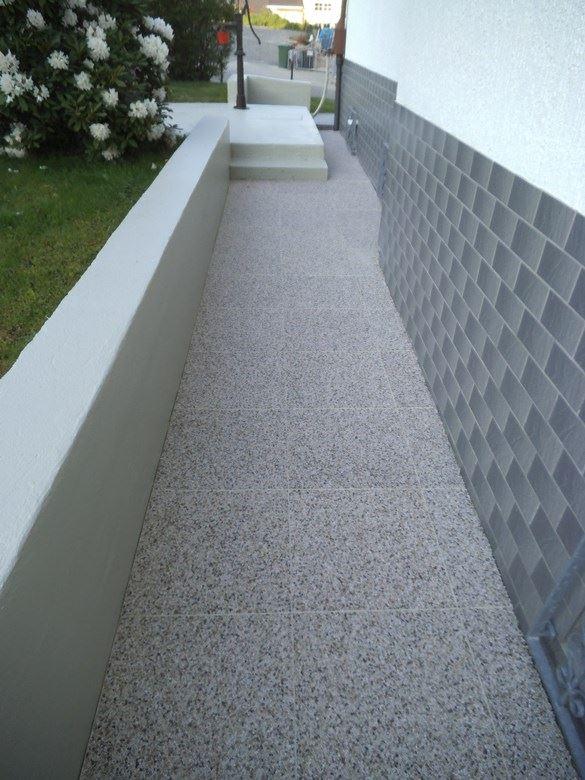 Kellertreppe mit DRAINfloor Steinchenteppich verlegen