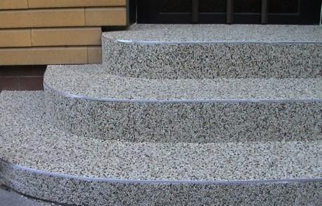 Große Farbauswahl bei Steinteppichen