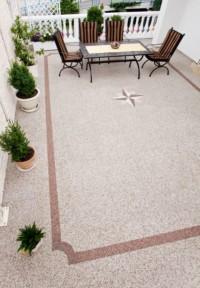 Balkon nach sanierung mit Steinteppich Fertigelementen