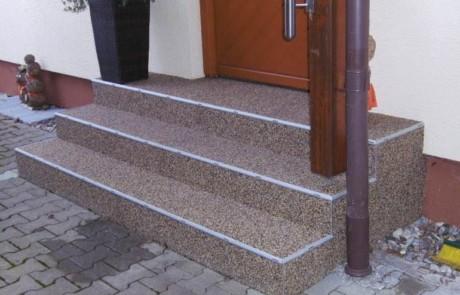 Steinteppich ist frostsicher, langlebig, rutschsicher, bruchfest und schön anzusehen
