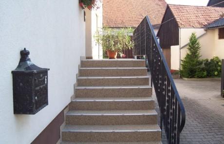 Treppenbelag mit eingebauter Wasserabführung