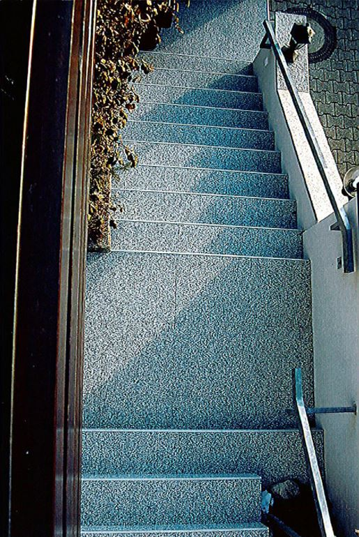 Betonrettung durch Steinteppich Fliesen - Treppensanierung nacher